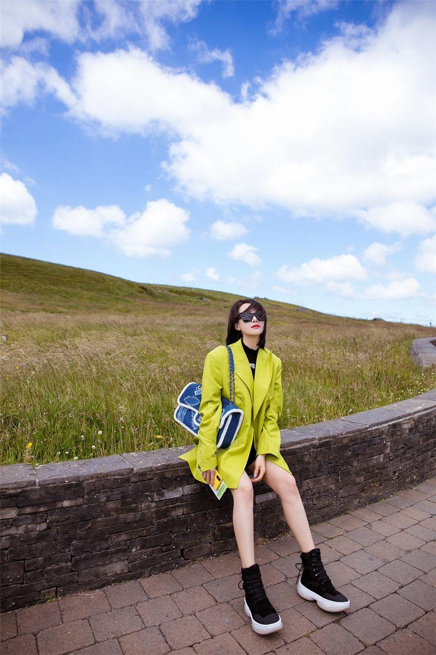 宋茜爱尔兰旅行照出炉 恣意玩耍享受惬意时光