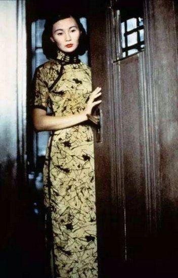 你心中穿旗袍最美的女星 《花样年华》里的张曼玉太经典
