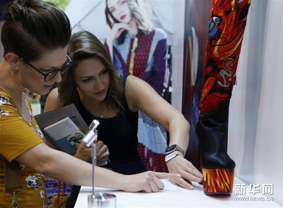 (新华视界)(1)国际鞋展中国品牌推广活动在拉斯维加斯举行