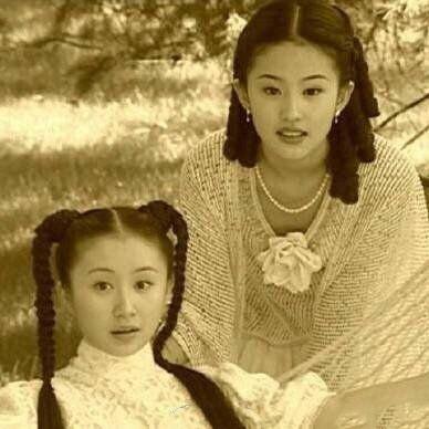 网友偶遇刘亦菲舒畅逛街 二人因《金粉世家》成为好友