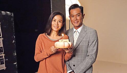 惊喜!古天乐送蛋糕补祝宣萱生日 两人时隔17年再合作