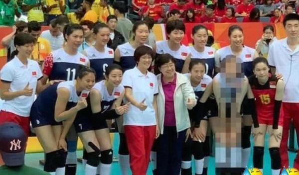 《中国女排》花絮照惠若琪被马赛克引争议 天津体育致歉