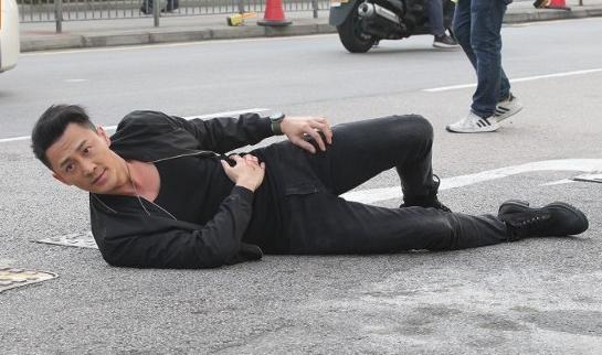 林峯新婚后返港繼續拍《使徒行者3》 被問擺酒事宜賣關子