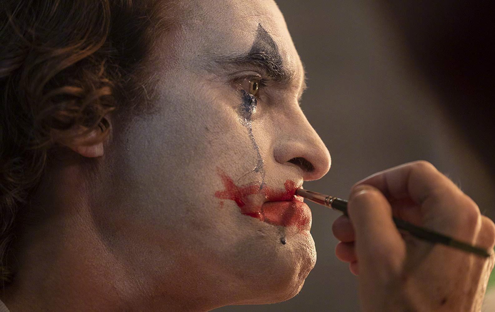电影《小丑》跻身IMDb评分前十 近十年新片中唯一上榜