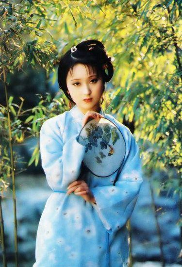 演过林黛玉的女星盘点 陈晓旭尽量还原了书中形象