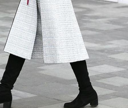 穿呢子大衣,搭配什么鞋子最适宜?来挑选适合自己的搭配吧