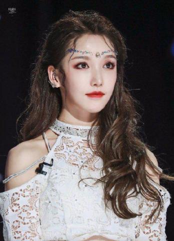 姜贞羽公司果然天空否认网传恋情:相关新闻均属不实