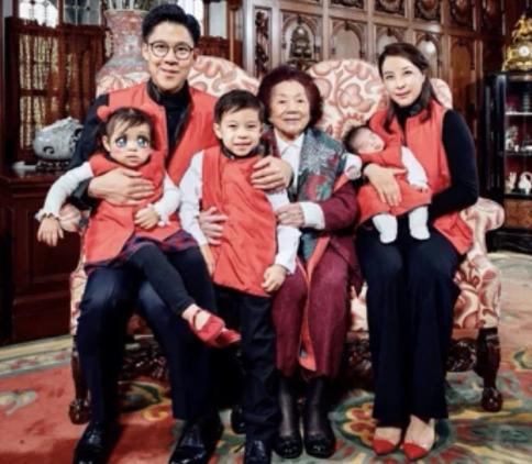霍启刚千字文悼念祖母吕燕妮女士 感谢其对郭晶晶的照顾保护