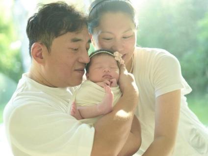 56岁吕方从丁克族变女儿奴 大方表示将来会多要一个儿子