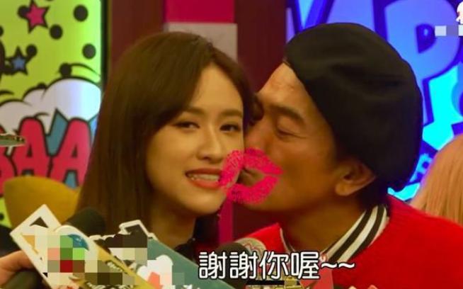 吴宗宪当众亲30岁女儿毫不避讳 直言不希望她早婚