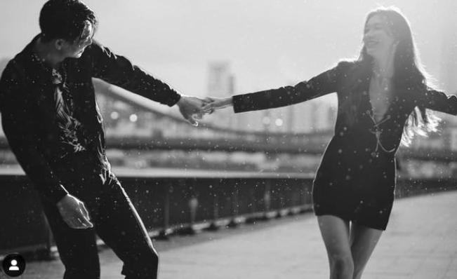 林志玲晒照庆与日籍老公结婚2周年 亲密搂肩很甜蜜