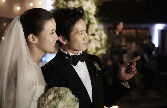 池晟庆祝与李宝英结婚8周年 俩人合作《最后之舞》
